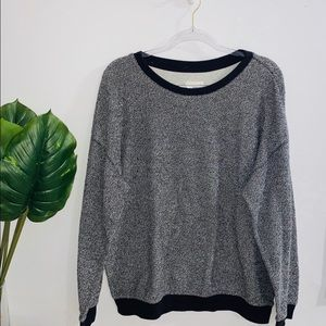 🦋 4/$30 Garage Gray Black Crewneck Sweater Large